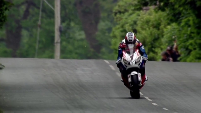 THE GREATEST SHOW ON EARTH ★HD★ 322kmh-200mph Street Race ✔ ISLE of MAN TT