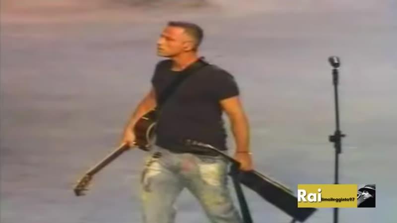 Adriano Celentano Eros Ramazzotti Il Ragazzo Della Via Gluck Rockpolitik 2005 - YouTube