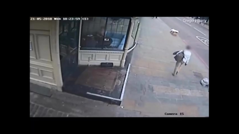 Man races from the scene of horrifying knife attack moments after fatal stabbing Daily Mail Online