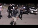 Парни Из Кавказа Танцуют Классно На Улице В Баку 2018 Лезгинка ALISHKA Чеченская Песня Королева Моя.mp4