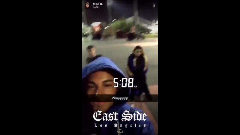 06.04 O ator Michael Evans, publicou esse vídeo em seu Snapchat, onde @ReallyCody e @alex