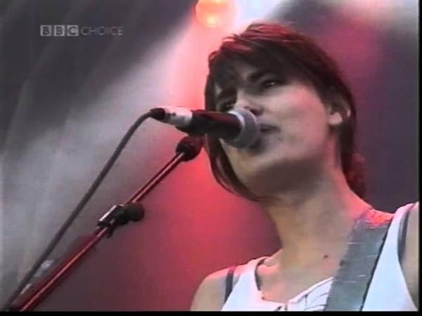 Elastica - Waking Up (Glastonbury Festival 2000 HQ)