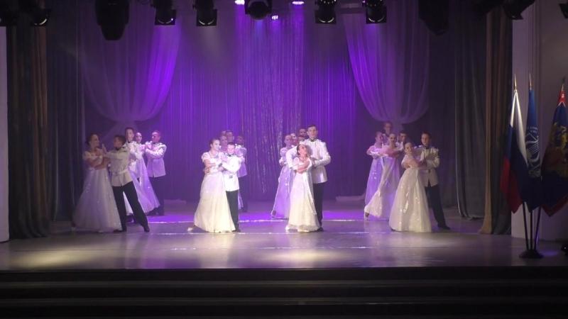Русский вальс в исполнении наших кадет и прекрасных девушек