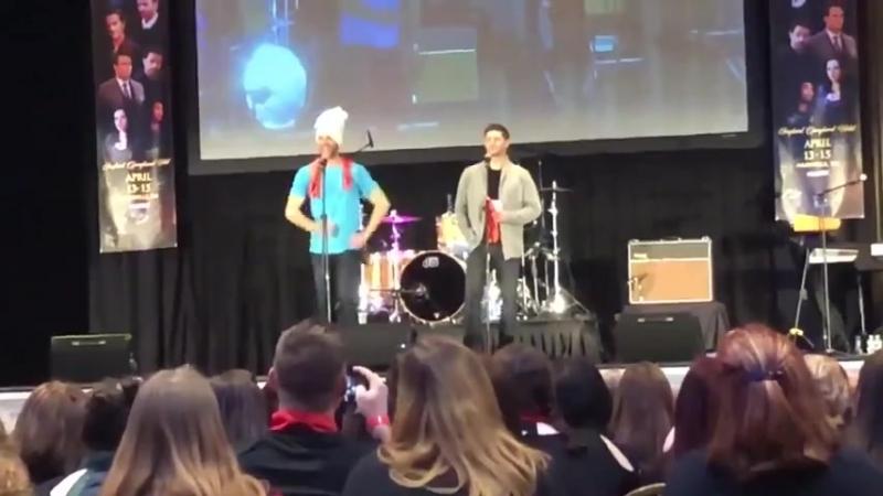 Видео с золотой панели Дженсена и Джареда в Нэшвилле