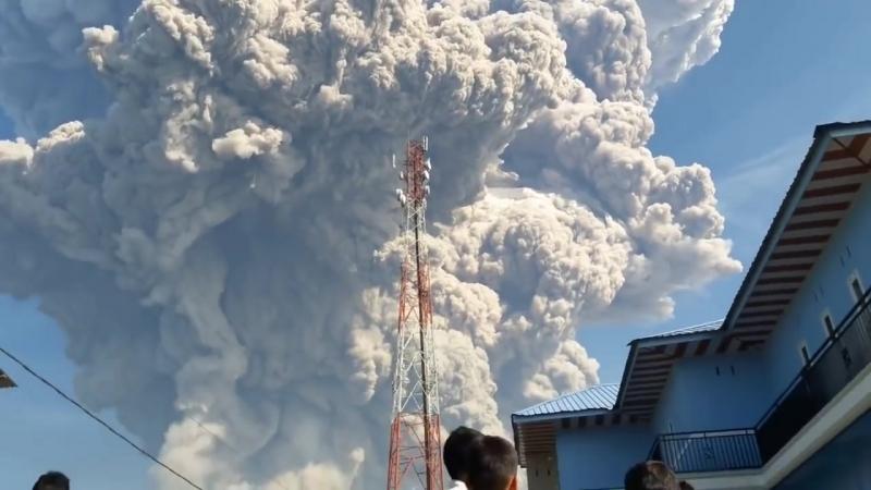 Извержение вулкана Синабунг. Индонезия (VHS Video)