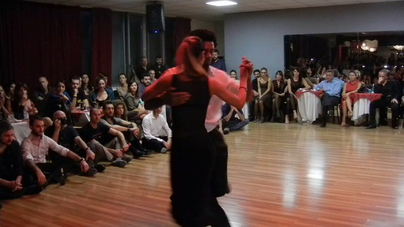 Esibizione di Julio Alvarez e Yailet Suarez al Winter Tango Napoli Milonga Portena