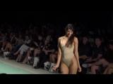 Сексуальные модели на показе коллекции Courtney Allegra Resort 2018 на Miami Swim Week 2017 (1080p)