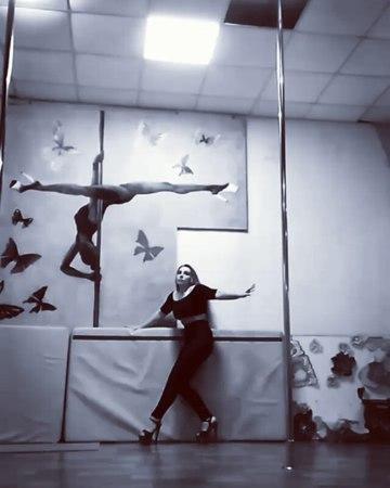 """Катерина on Instagram: """"❤❣❤.... Лайтовые экзо- флажульки....😉🏁в любимой Butterfly art -studio Kremenchug😘💋❣ exoticpoledance highheelsdancingexo..."""