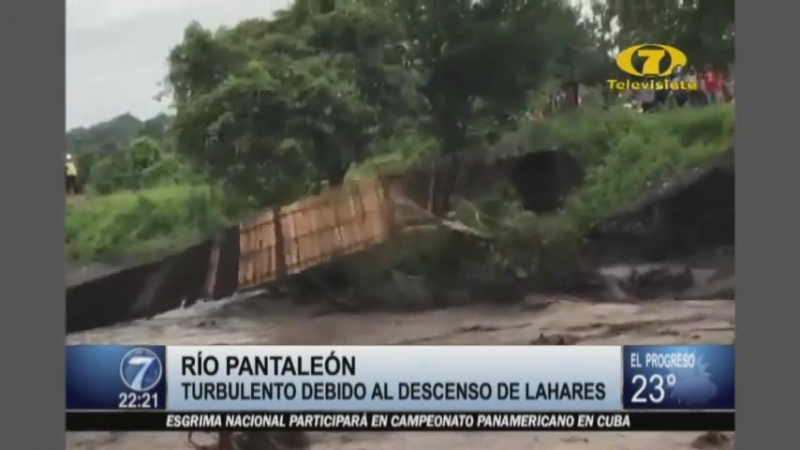 Río Pantaleón afectado por la actividad volcánica