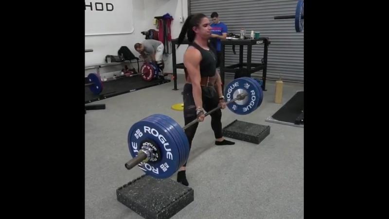 Стефани Кохен, тяга 230 кг на 4 раза