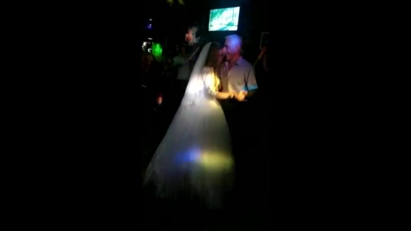 Танец отца и дочери ❤️ » Freewka.com - Смотреть онлайн в хорощем качестве