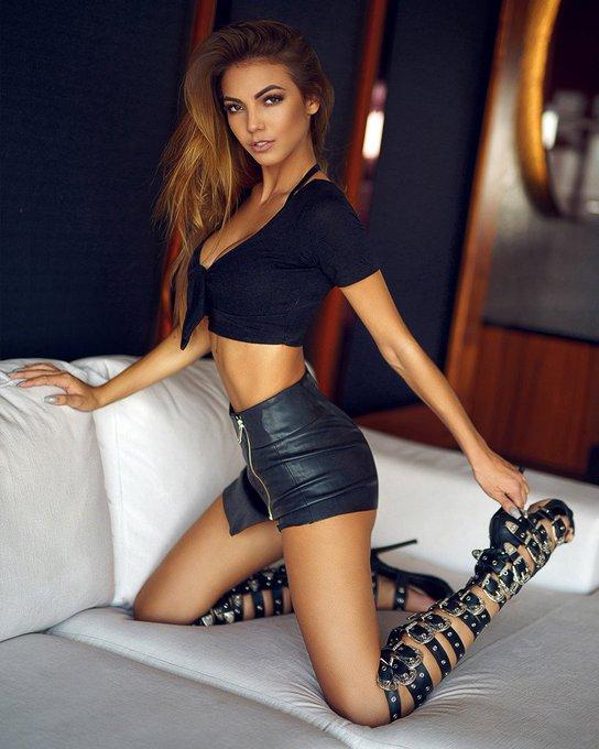 Longest female pubic hair fetish