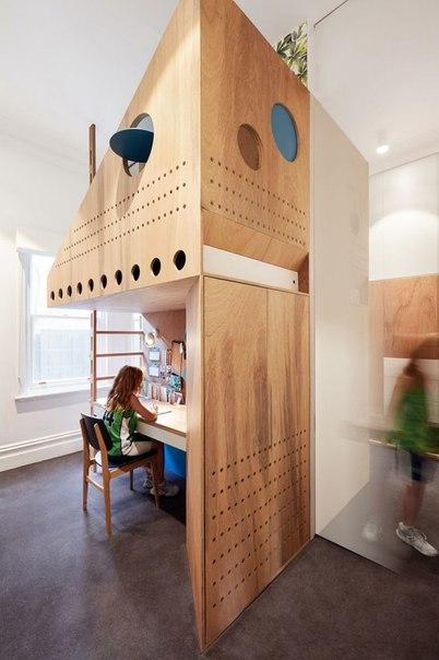 Ещё один вариант перегородки в комнату для двоих детей.