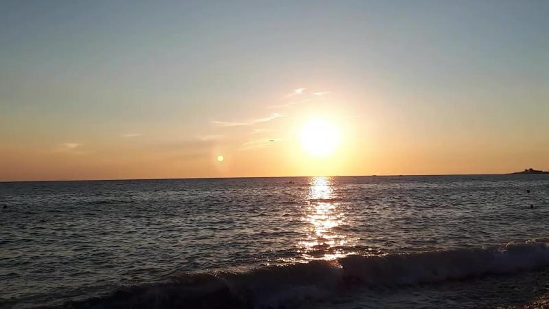 Закат в море. Черноморское побережье. Сочи.