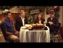Звёзды фильма Величайший шоумен отвечают на вопросы из рождественских печенюшек