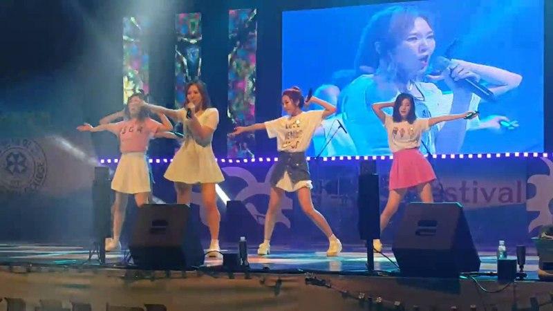 레드벨벳 조이 기절후 다시 일어나 공연