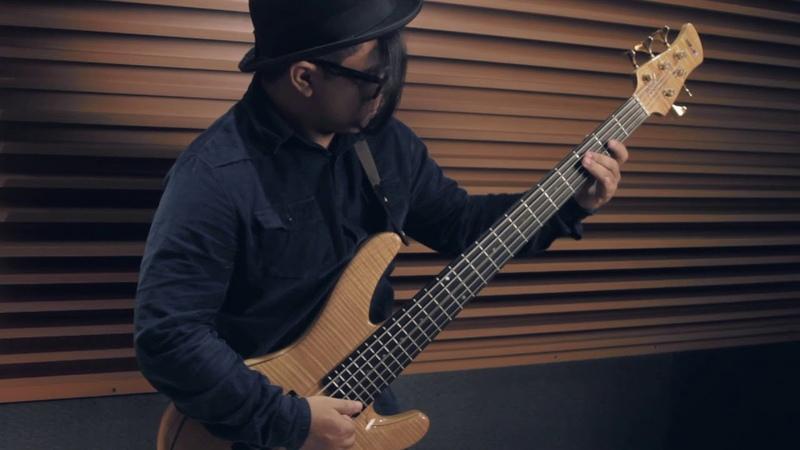 Alessandro Dourado jader Gomes - ( Slap Bass And Drum )