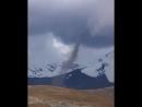 Tornado visto cerca de Mina La Rinconada de Puno, Perú, el 10.05.2018.