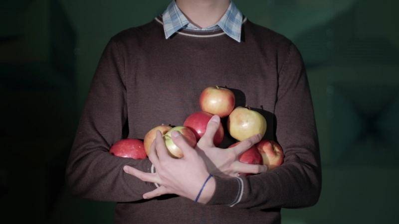 Курс Интуитивная режиссура. Ирков Денис - Видео-этюд с яблоком