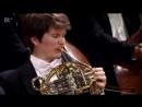 Konzert im Münchner Herkulessaal - BR-KLASSIK- Alice Sara Ott spielt Grieg - BR Mediathek