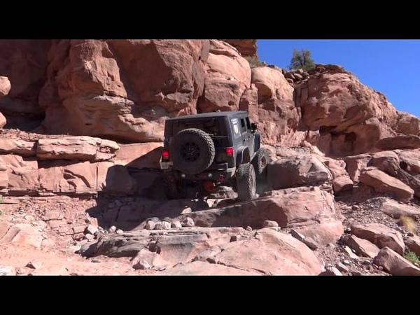 Jeep Wrangler JK off road adventure 2013 Cliffhanger Moab 4x4.