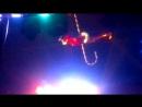 акробатка на зонтике под куполом цирка (Цирк Шапито династии Довгалюк)