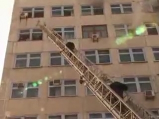 Пожар во Владивостоке (Людям со слабой психикой просьба не просматривать!!!!!!!!)
