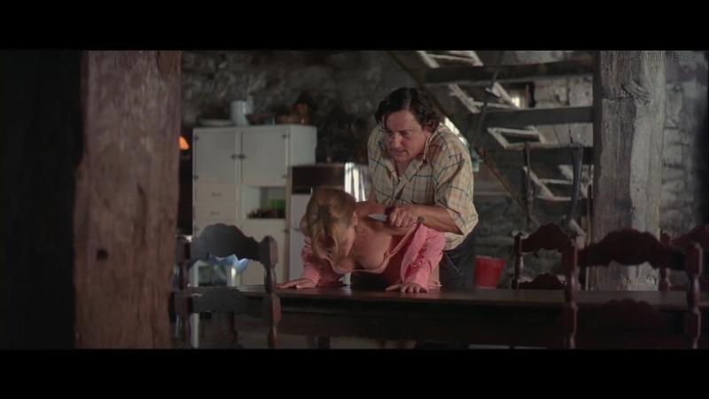 сексуальное насилие(изнасилования, rape) из фильма The Backwoods(Лес теней, Bosque de sombras) - 2006 год, Virginie Ledoyen