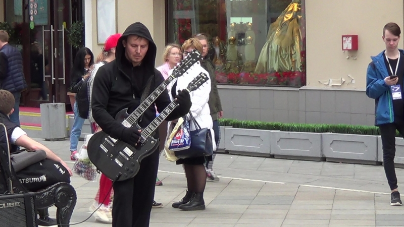 Metallica - 'Unforgiven' on Streets of Moscow