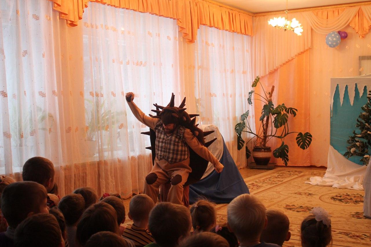 Театр стартовал с новогодней программой