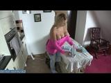 Мама собирает дочку на первое свидания [milf, mature, милф, мамки]