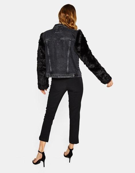 Джинсовая куртка с рукавами из искусственного меха