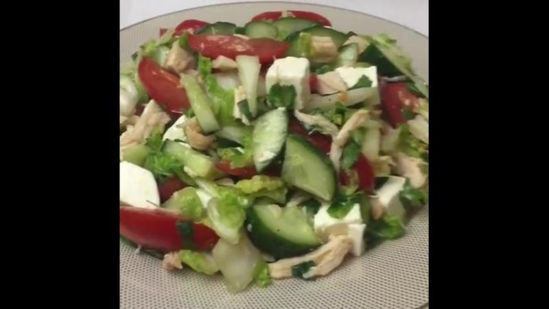Салатик с курой и пекинской капустой