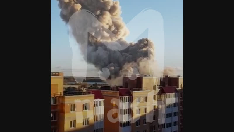 В Гатчине - под Питером - крупный пожар