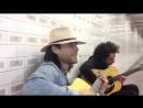 Джаред Лето из 30 Second To Mars Классно Поёт В Метро (Классный Сильный Голос)