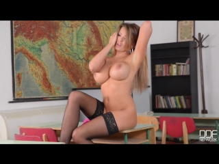 Сочная училка в чулках charley atwell (bosoms over blackboards) [solo, big tits,