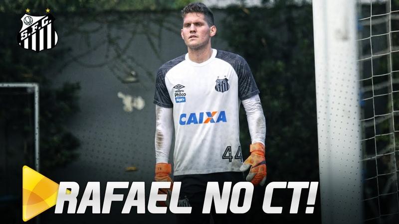 Rafael Cabral Treina no CT Rei Pelé