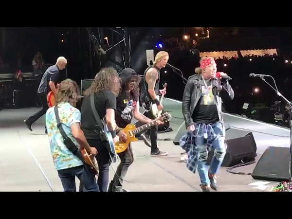 Foo Fighters Guns N' Roses at Firenze Rocks 6.14.17