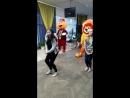 Наши ростовые куклы танцуют с девочками 3 отряда,закрытие смены