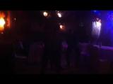 Парни отжигают на свадьбе))