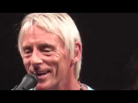 Paul Weller pulls more than 20 womens strings in 1 hour !