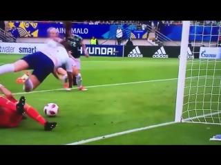 Курьезный гол в матче Англия - Мексика