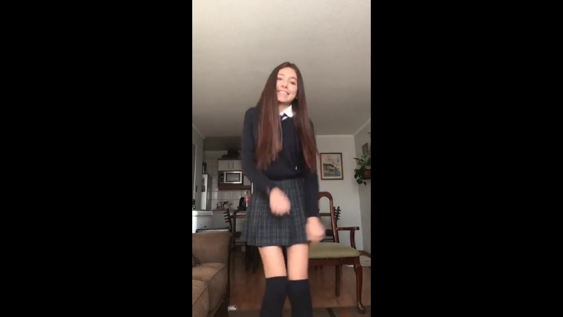 Школьница классно танцует. Малолетка. teen, tiny, skinny, young. Перископ, Periscope, трусики, skinny, попа, не цп, сестру,dance