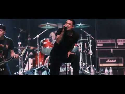Strung Out - Nowheresville w Travis Barker Live at Musink