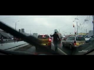 Позитивный пример из Минска, как вести себя на дороге. Посмотрите!