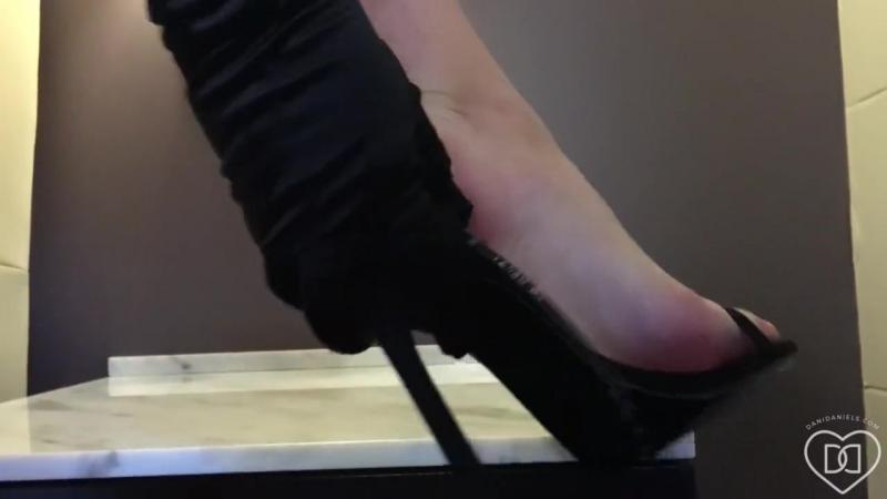 Dani Daniels foot feet