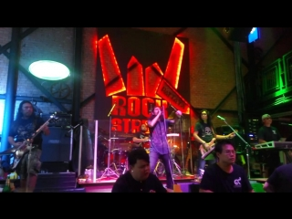 Dio - holy diver (perfomed by pattaya rock street bar band)