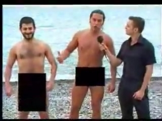Галустян на нудистком пляже