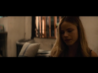 Хелстон Сейдж (Halston Sage) голая в фильме «People You May Know» (2017)
