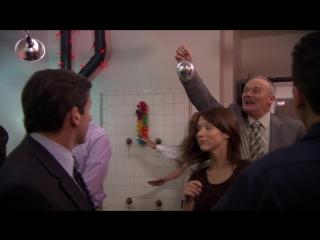 Офис [The Office] / 5 сезон - 25 серия / «Кафе-диско» [Cafe Disco]